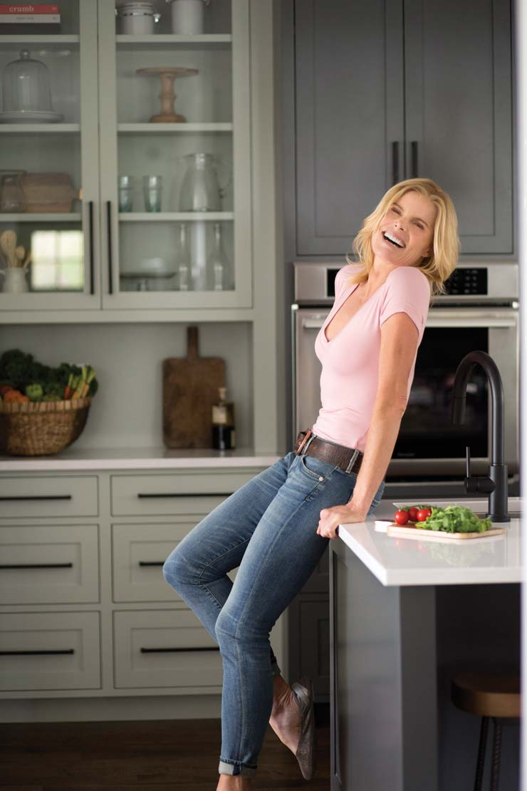 A Look At Mariel Hemingway's Healthy Lifestyle From The Inside Out