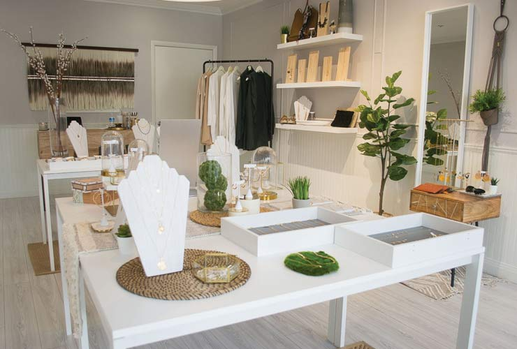 Accessories And Trinkets Await At The Accessory Bar In West Palm Beach